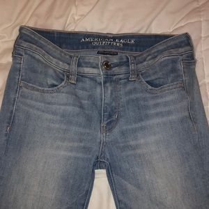 Barely Worn Light Wash American Eagle Jeans